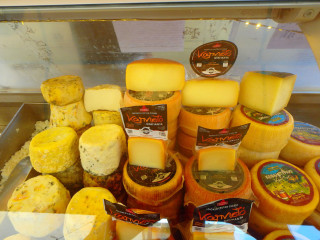 03-cheese-from-crete-3