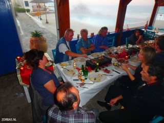 diner-on-christmas-in-crete-7240