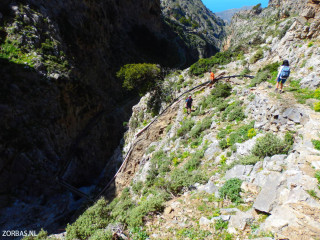 Hiking-holidays-possibilities-in-Crete
